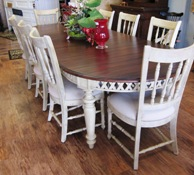 Beautiful Table With 8 Chairs It Also Has 2 Leaves